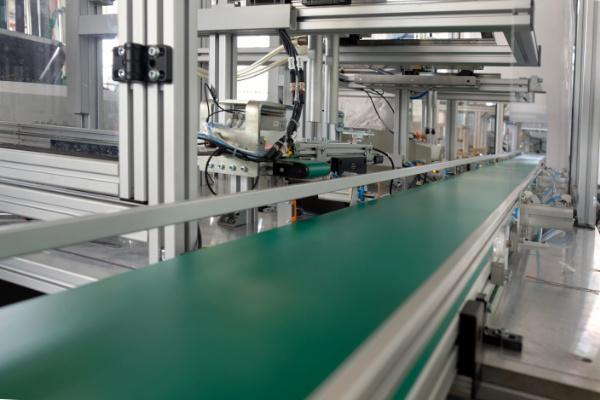 ligne automatisée pour conditionnement de produit rigides ou souples par Mecaconcept